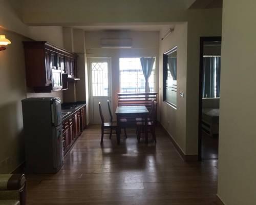 Cho thuê căn hộ chung cư số 10 Hoa Lư gần VinCom Bà Triệu mới đẹp