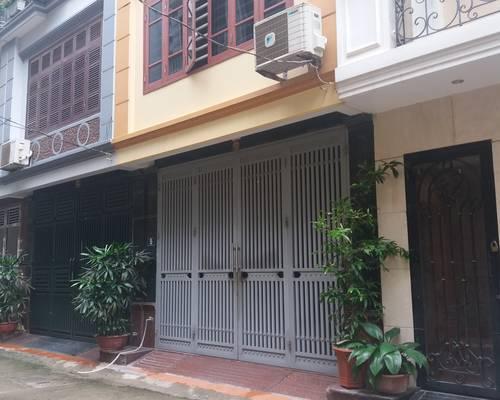 Nhà ngõ 106 Hoàng Quốc Việt 85m2 x 5T, 9 phòng 25 - 40m2, làm Trung Tâm, Văn Phòng