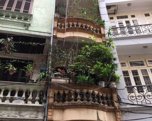 Cho thuê nhà 4,5 tầng x 55m2 ngõ 5 Phạm Thận Duật