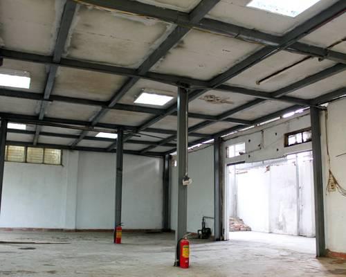 Cho thuê Nhà xưởng 240 m2   90 m2 xép