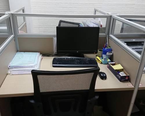Cho thuê chỗ ngồi làm việc gần Cầu Tó khu đô thị Đại Thanh