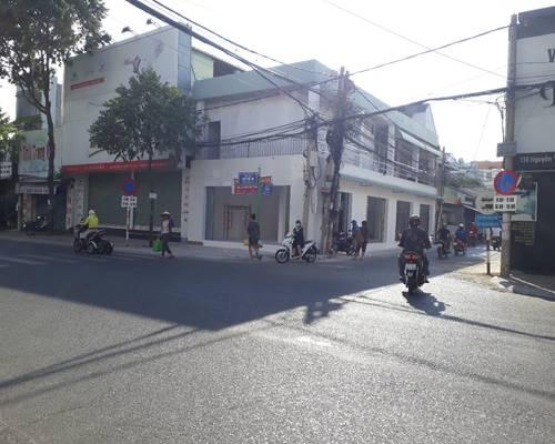 Cho thuê nhà có lầu dt 6.7x15 m , 2 mặt tiền 132 đường Nguyễn Văn Trỗi, TP Vũng Tàu