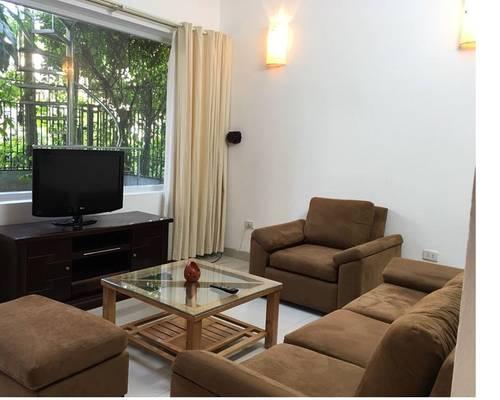 Cho thuê chung cư 136 hồ tùng mậu 84 m2 chia 2 ngủ full nội thất