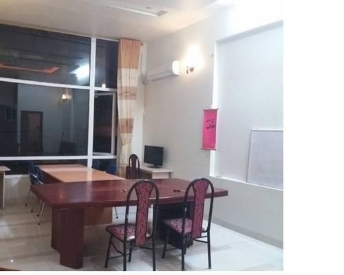 Cho thuê văn phòng ngõ 14 mễ trì hạ 45 m2 thông sàn