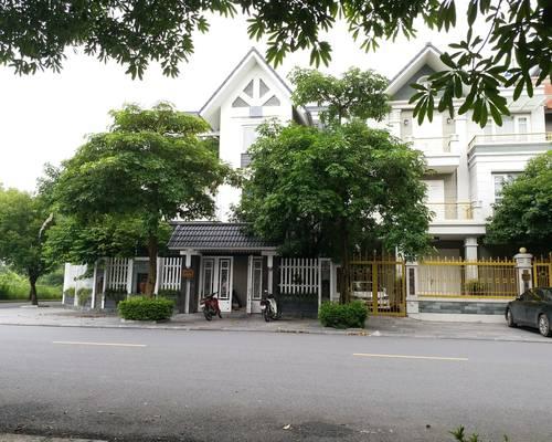 Cho thuê biệt thự đơn lập KĐT Việt Hưng, đất 200m2, nhà 120m2 x 3.5 tầng, MT 15m, 4PN 5WC