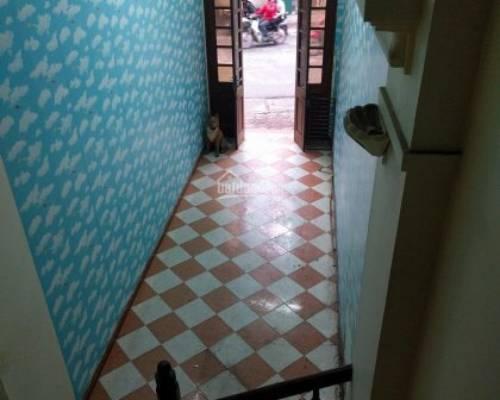 Cho thuê nhà mặt phố 4 tầng , Dt sàn 35m2 , Kinh doanh tốt, vị trí đẹp .