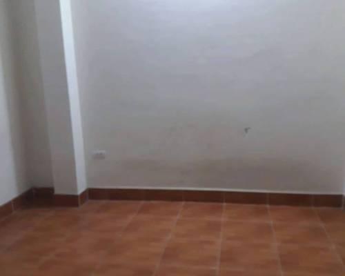 Cho thuê phòng trong nhà riêng 4 tầng tại Phú Diễn, có nóng lạnh giá 1,6tr/ tháng, điện nước giá dân
