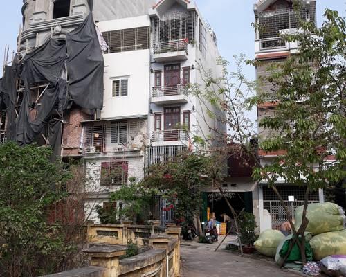 Cho thêu nhà Cấp 4 cạnh đường oto có thể làm văn phòng, kho...địa chỉ Ngõ 44 đường Đại Linh, Tr Văn.