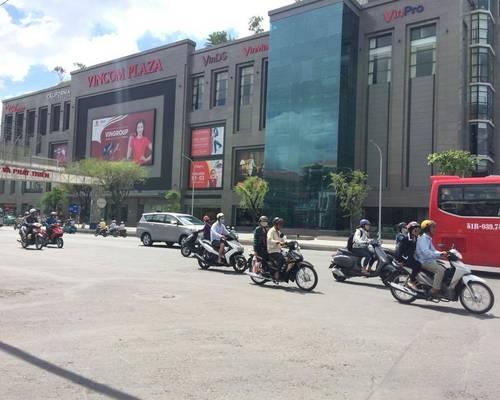 Cho thuê nhà 420 m2 mặt tiền đường 30.4 gần chợ Xuân Khánh  Miễn Trung Gian
