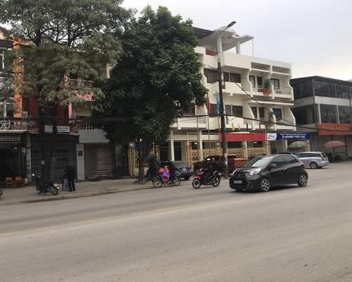 Cho thuê nhà mặt đường Hoàng Diệu, Mt:20m-Dt:700m2 làm showroom bán hàng