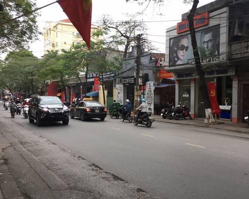 Cho thuê nhà mặt đường Điện Biên Phủ, gần ngã 4. Mt:5m-Dt:60m2x4T