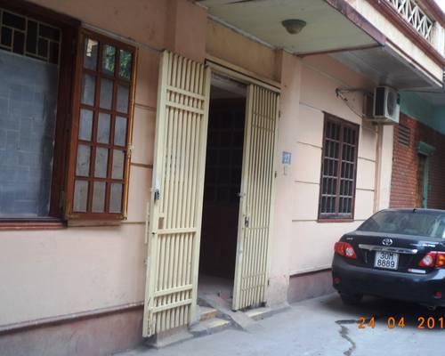 Cho thueeu phòng nhà 27 ngõ 3 Cù Chính Lan