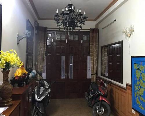 Cho thuê nhà kinh doanh tại phố Hoàng Quốc Việt DT 58m2x4T