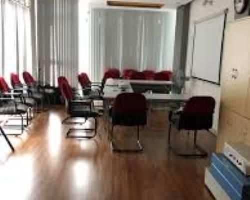 Cho thuê văn phòng diện tích nhỏ tại 81 hoàng cầu giá 3tr