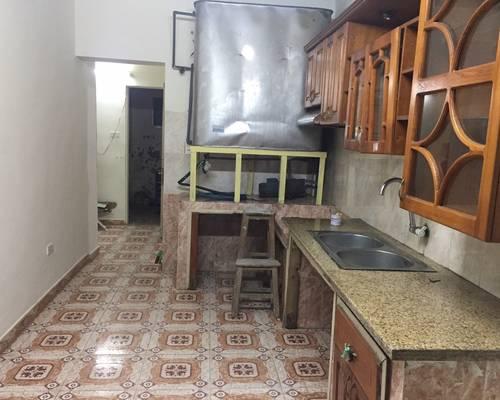 Cho thuê căn hộ tập thể 65m2, 2 phòng ngủ, 1 phòng khách... chính chủ