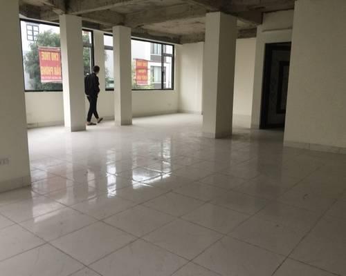Cho thuê nhà mặt phố phú diễn 181m2 x 3 tầng, mt 9,5m kinh doanh