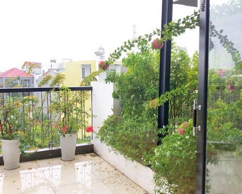Chính chủ cho thuê biệt thự, khu Nam Việt Á. Nằm góc 2 mặt tiền, rất thoáng và đẹp.