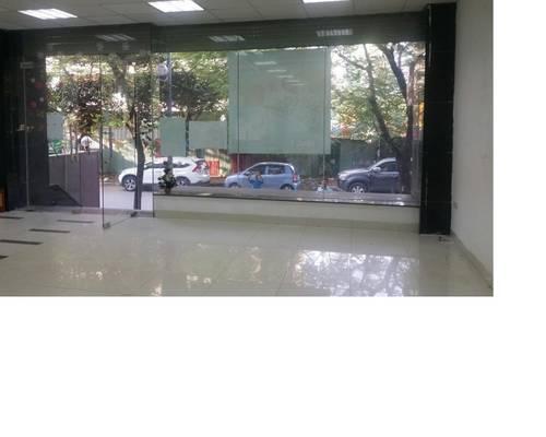 Cho thuê mặt bằng cầu giấy 450m2, mt 14m làm showroom kinh doanh