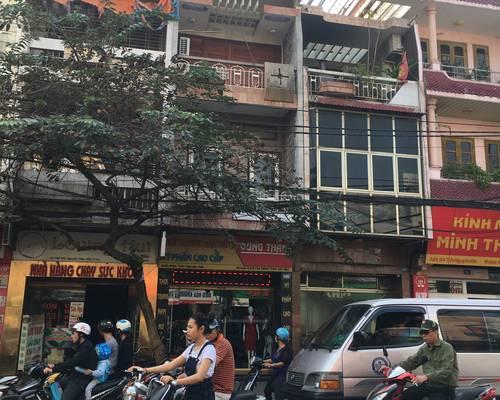 Cho thuê nhà mặt tiền 5m, trên phố Trần Nguyên Hãn.