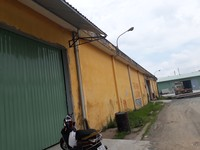 Cho thuê nhà xưởng 800m2 có bãi rộng 1000m đường Nguyễn Văn Quỳ, Quận 7 giá rẻ 69.000đ/m2