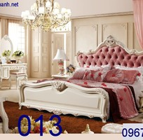 7 Giường ngủ tân cổ điển giá rẻ