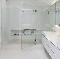 2 Chuyên cung cấp lắp đặt Kính phòng tắm các loại