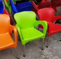 1 Ghế nhựa cafe cần thanh lý gấp giá 180.000 cái