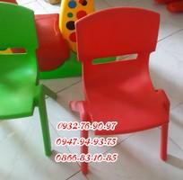 2 Ghế nhựa nhập khẩu dành cho trẻ mầm non