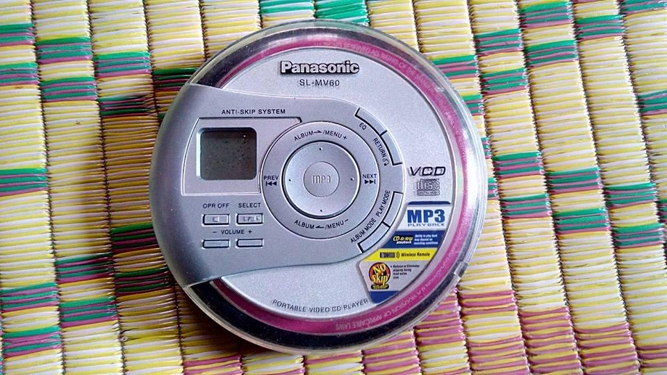 "1 Phone CD, Phone Cassette Panasonic, <a style=""color:inherit !important;font-size:inherit !important;"" href=""http://rongbay.com/Sony-Dien-thoai-Ipad-may-tinh-bang-c2-t19.html"" title=""Sony"">Sony</a> Nhật xịn chuyên nghe nhạc, học ngoại ngữ"