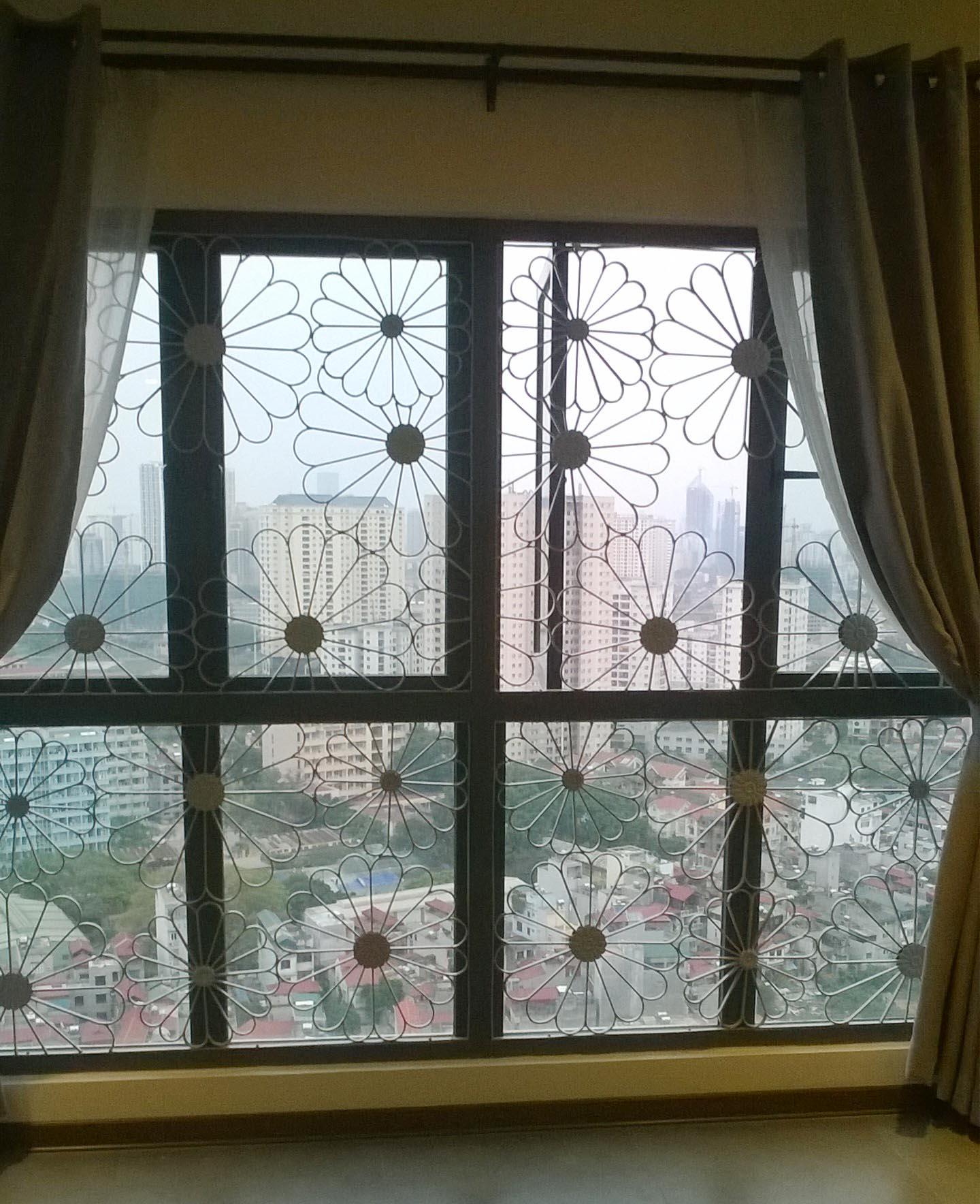 2 Cửa sổ sắt, cửa sổ đẹp, cửa đi sắt