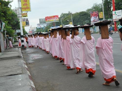 1 Landtour Myanmar giá rẻ.