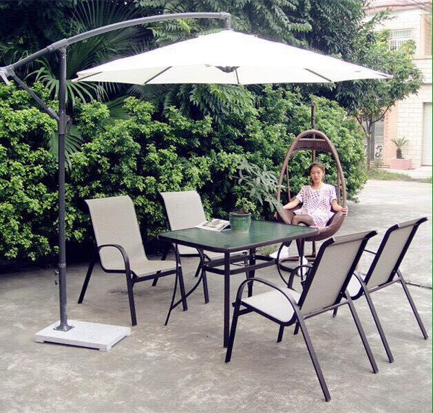 4 Bàn ghế sân vườn nhập khẩu.