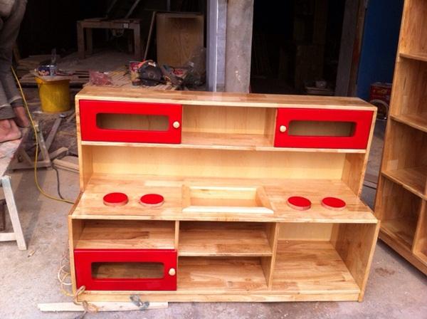1 Tủ bếp gỗ thông tự nhiên cho trường mầm non