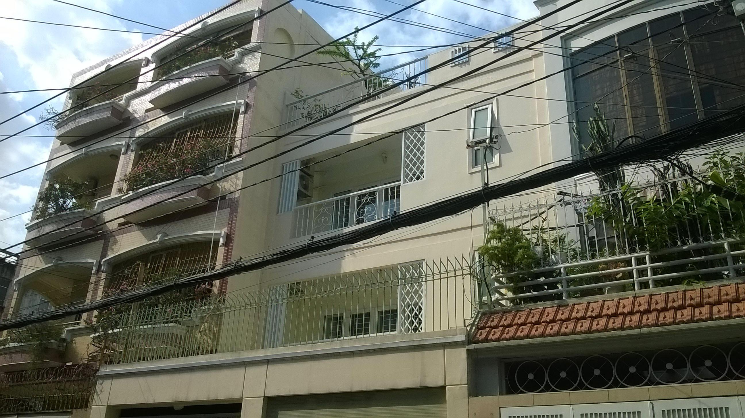 5 Cho thuê nhà rộng mặt tiền đường Trần Khánh Dư, Quận 1: 7m x 20m, trệt, 2 lầu, ST, 5PN, 4WC, garage.