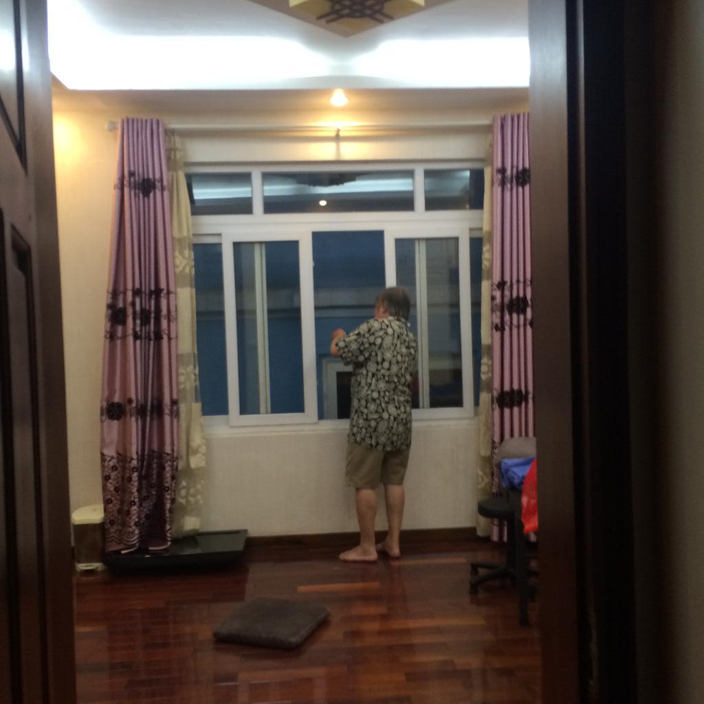 2 Cho thuê nhà riêng phố quán thánh - phó đưc chính 30m2 x 5 tầng đủ đồ giá 13tr/th