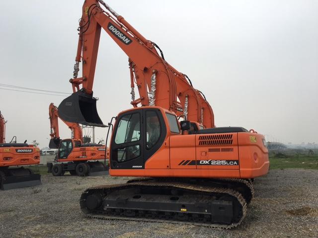 5 Bán Máy xúc đào bánh lốp,bánh xích Doosan Hàn Quốc mới   DX 55W, DX 140W, DX 190W