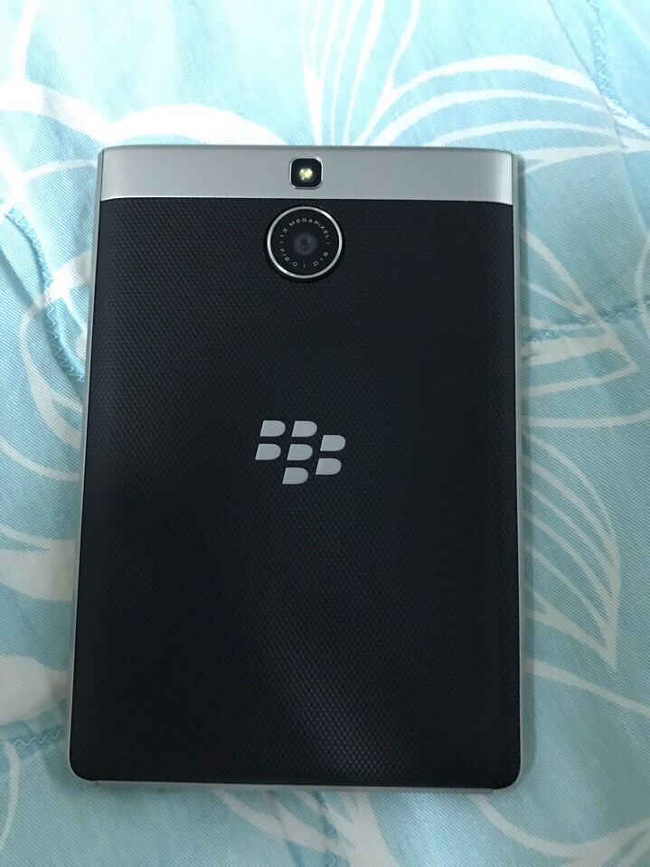 5 Blackberry Passport Silver Edition