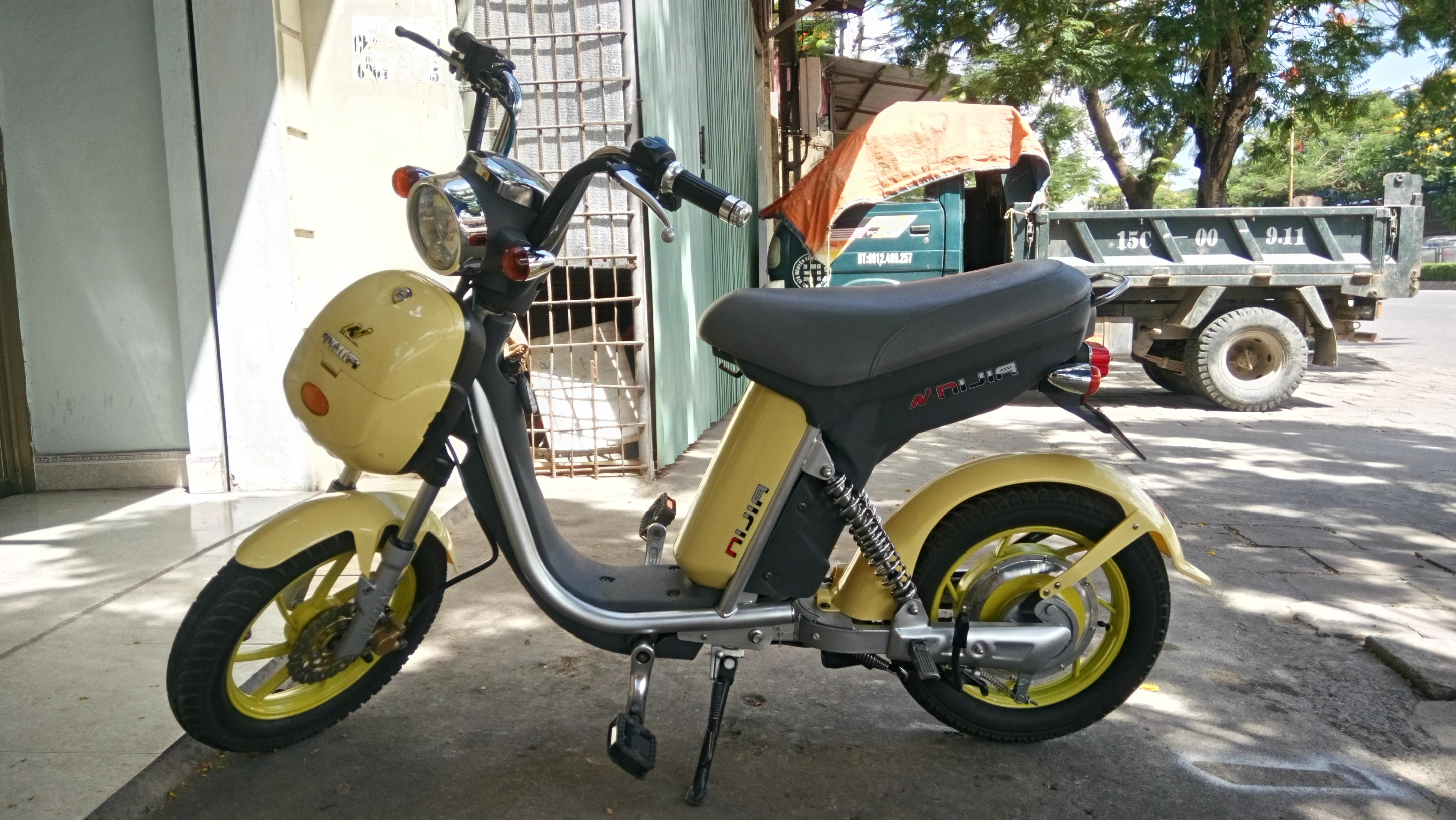 """Cần <a style=""""color:inherit !important;font-size:inherit !important;"""" href=""""http://rongbay.com/Ha-Noi/O-to-c19.html"""" title=""""bán xe"""">bán xe</a> Nijia phanh đĩa màu vàng hình thức đẹp"""