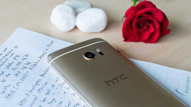 2 HTC 10 máy đẹp , hàng zin cấu hình cao giá cực rẻ và BH dài , báo test tẹt tèn ten