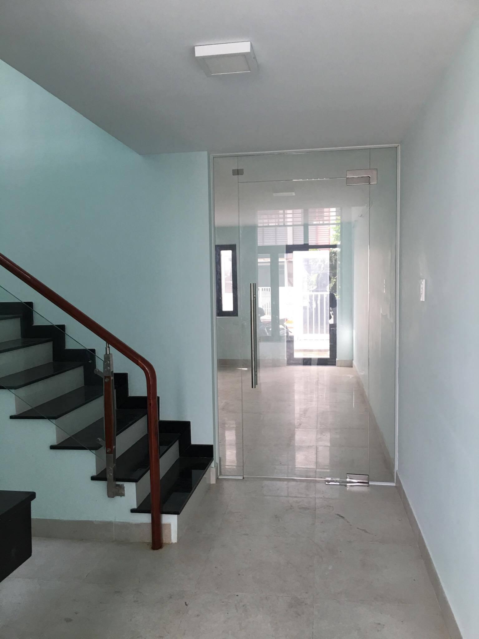4 Cho thuê nhà biệt thự liền kề tại khu đô thị Phố Đông, Quận 2, Thành phố Hồ Chí Minh