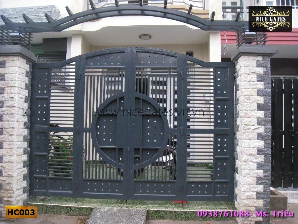 2 Thiết Kế Cổng Rào Sắt Hộp Cho Nhà Phố Cao Cấp