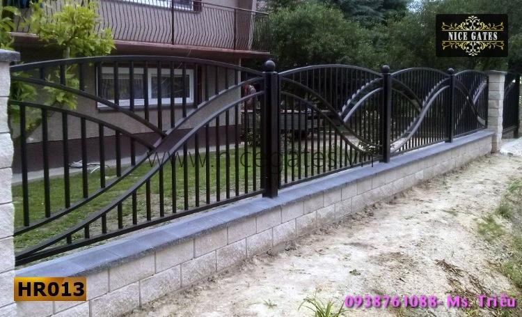 12 Tường Rào Bằng Sắt Hộp