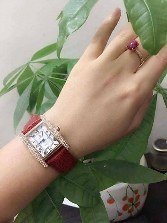 Cần bán đồng hồ Thời trang