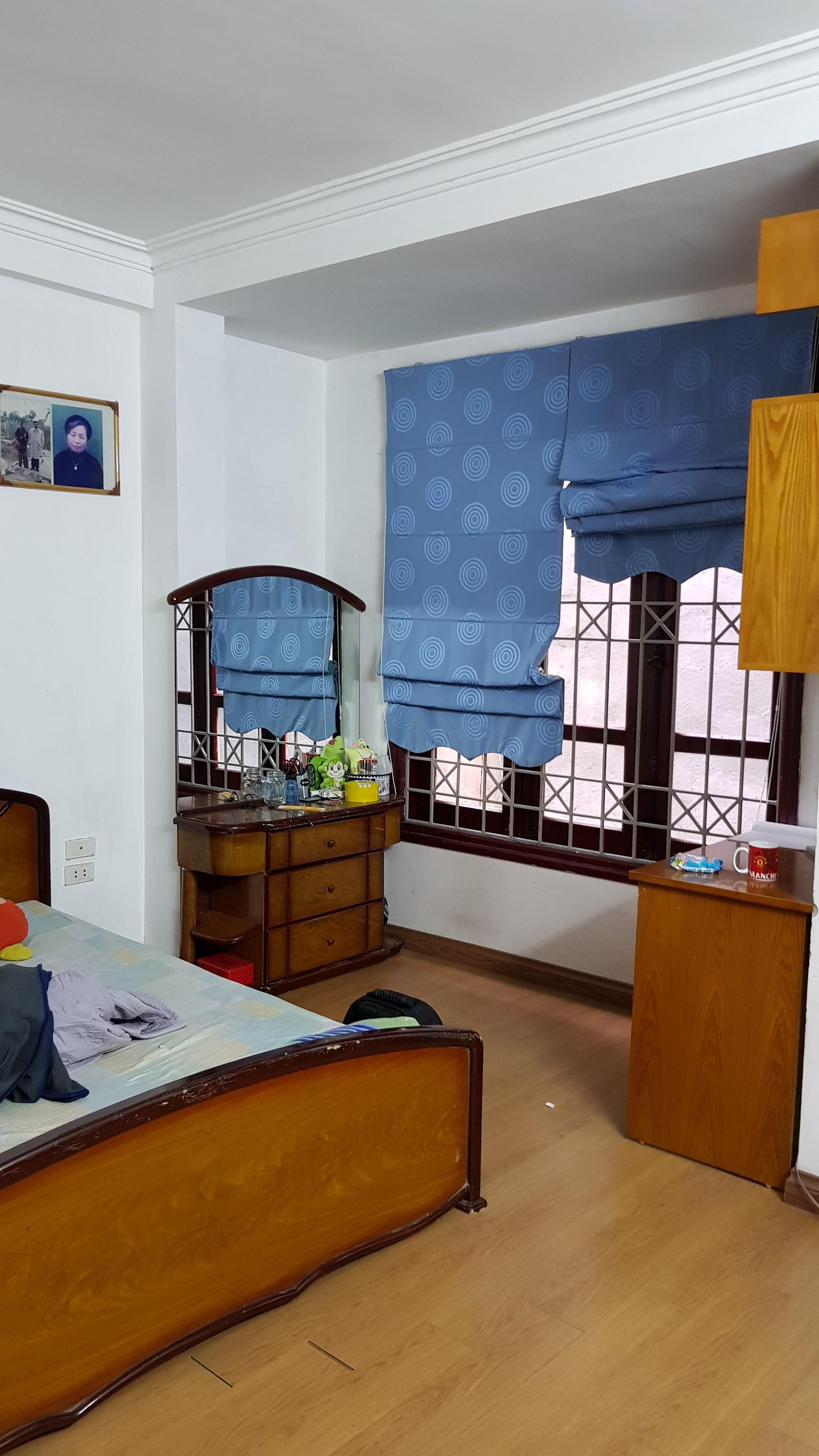1 Bán nhà ngõ 76 Phố Nguyễn Chí Thanh,Đường Láng 40m2 x 5 tầng, giá 4,3 tỷ
