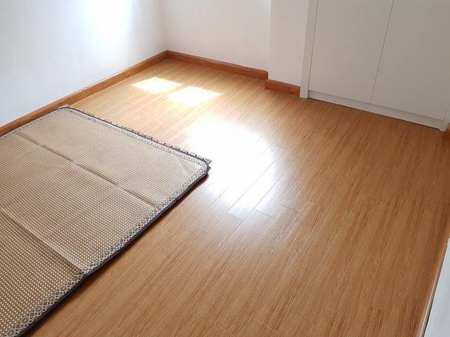 7 Cho thuê căn hộ chung cư thang máy Hoa Lư - Vân Hồ 55m2 2pn mới đẹp