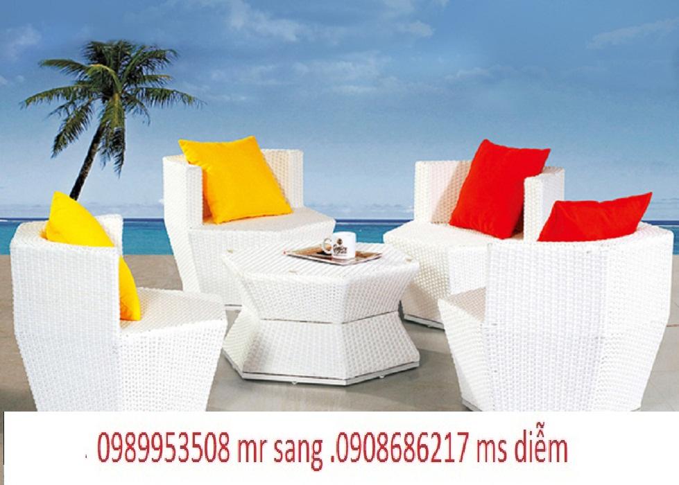 4 Bàn ghế cafe giá rẻ