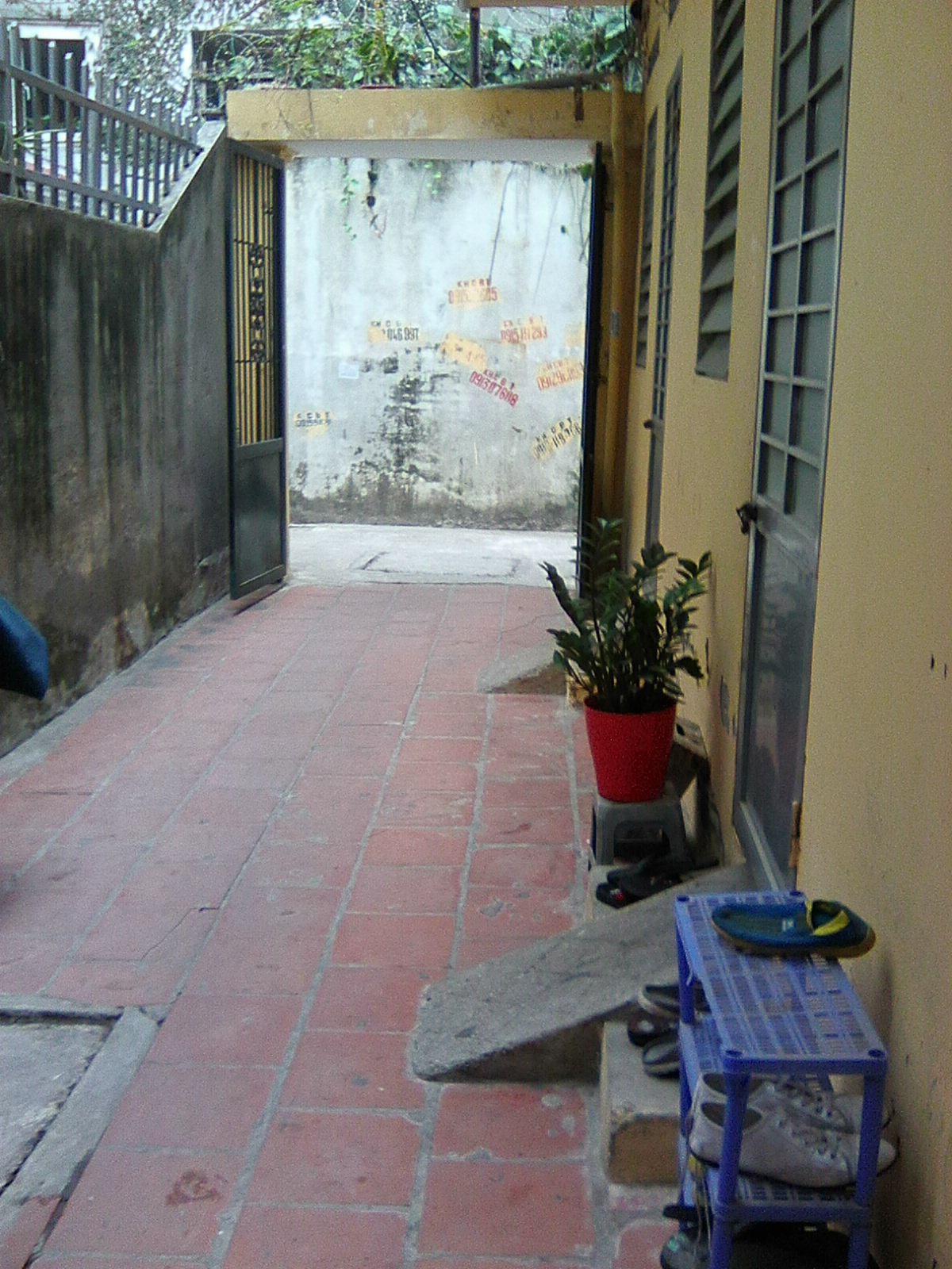 Cho thuê nhà ở 2 tầng  40m2 , ngõ 29, Phố Dịch Vọng, C.Giấy