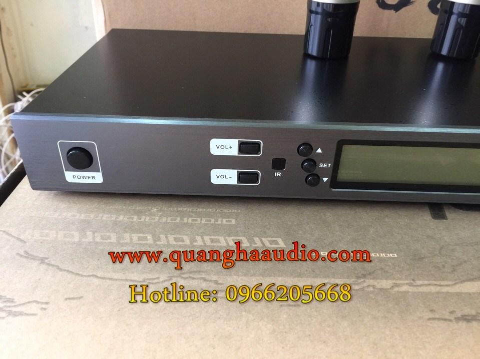 2 BT600F siêu phẩm micro không dây chuyên cho phòng hát