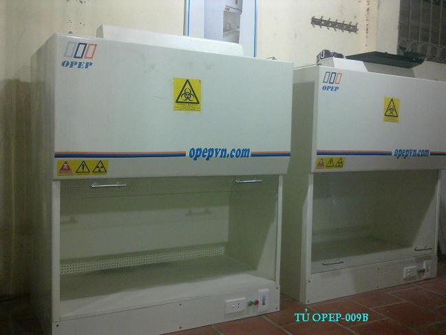 3 Tủ hút khí độc