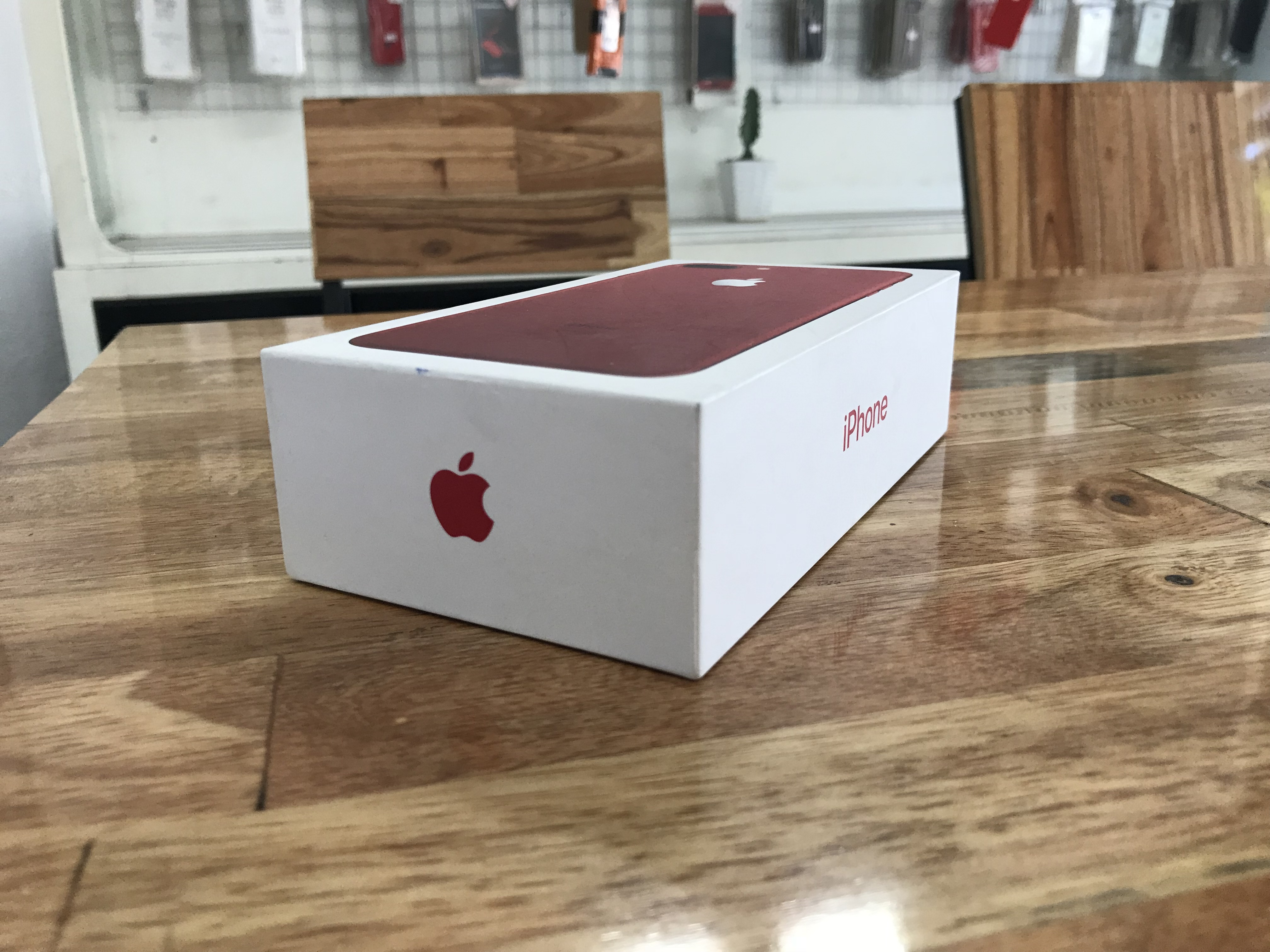 4 IPhone 7 plus 128gb Red vn/a tgdd hết Bh